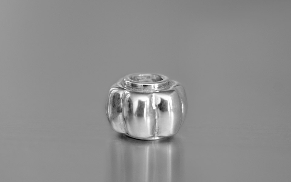 Narradores silver flower bead