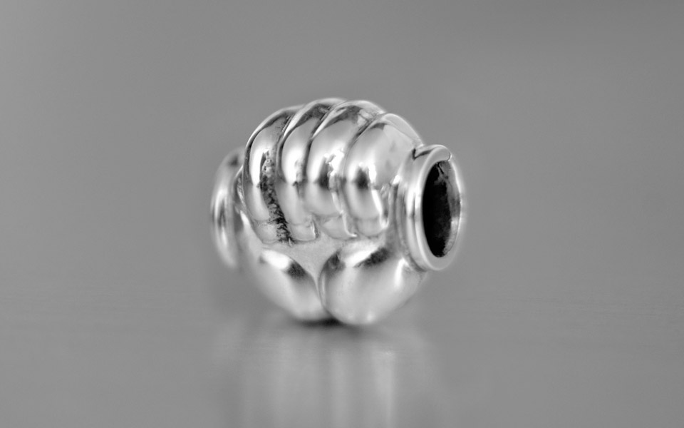 Narradores contemporary and classic hand bead