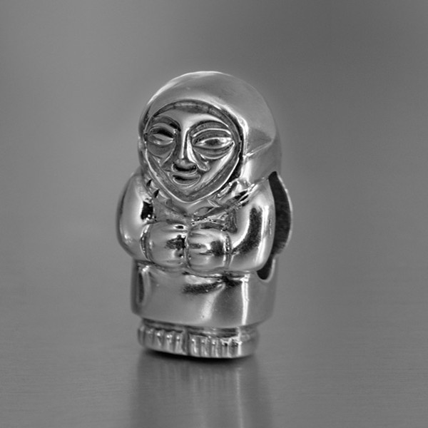photo of silver mother bead