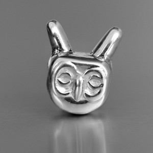 photo of silver owl bead