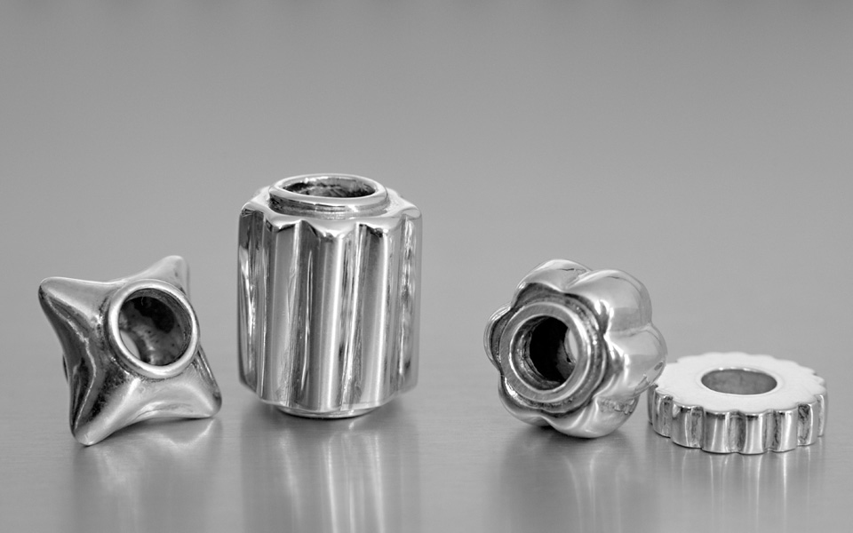 photo of narradores silver beads
