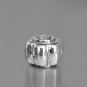 photo of a silver flower bead