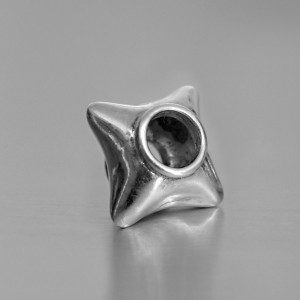 photo of a silver star bead